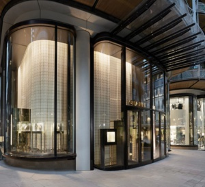 Chanel ouvre une double boutique à Monaco