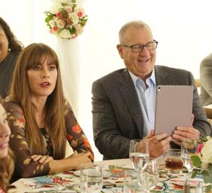 Modern Family : Ed O'Neill porte une Rolex YachtMaster cadran gris