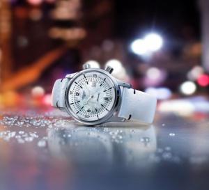 The Longines Legend Diver : 36 mm avec cadran nacre, l'idéale estivale