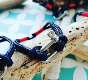 Mafia Bretonne : des bracelets chargés d'embruns !