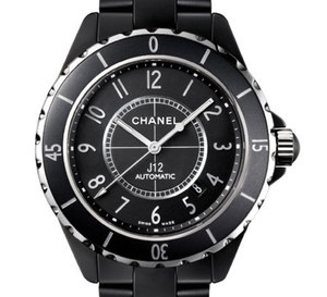 Chanel J12 : arrivée d'un modèle de 42 mm en céramique noire mate… Pour nous les hommes !