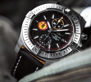 Breitling Avenger Swiss Air Force Team : le retour du logo ailés !