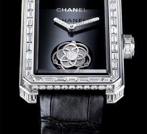 Chanel Première : Tourbillon volant stylisé en camélia et diamants