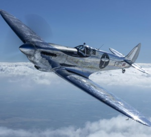 The longest flight : le Silver Spitfire a parcouru 43.000 km autour de la terre en 4 mois