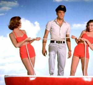 Des filles, encore des filles : Elvis Presley porte une Rolex Submariner