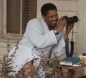 Flight : Denzel Washington porte une Timex Expedition Rugged Analog
