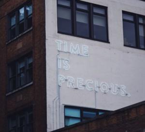 Le temps qui passe, une notion associée au mouvement et à l'environnement