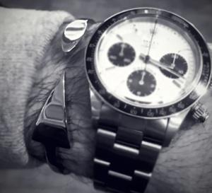In caso di vintage : un bracelet en acier en forme d'aiguille de montre