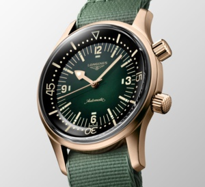 The Longines Legend Diver : de bronze et de vert
