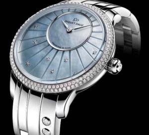 Jaquet Droz Petite Heure Minute 35 mm : acier et nacre pour une montre ultra-féminine