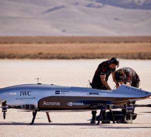 """IWC partenaire d'Airspeeder, une série de courses de """"voitures volantes"""""""