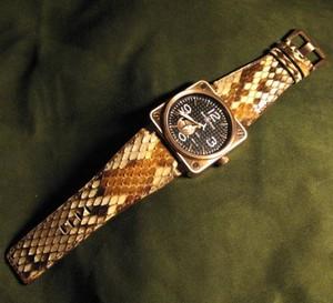Le python, un cuir tout terrain : la chronique du bracelet-montre d'ABP