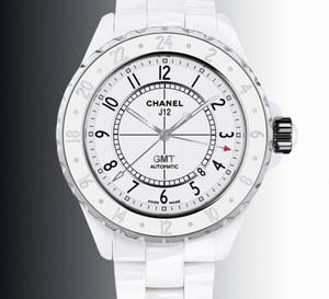 Chanel J12 GMT : une série limitée à 2.000 exemplaires en céramique blanche
