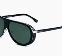 Omega en met plein la vue avec ses lunettes de soleil
