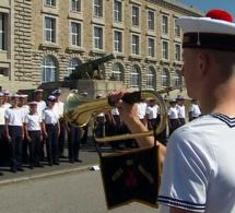 Montres en série limitée pour l'armée française : quid de la préférence nationale ?