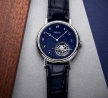 Breguet Classique Tourbillon Extra-Plat : splendide version en platine avec cadran en émail grand feu bleu