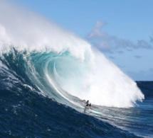 Surf : coup d'envoi de la nouvelle saison Big Wave Tour avec TAG Heuer